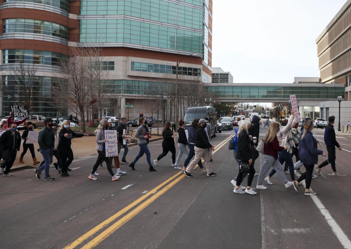 Restaurant workers protest shutdown