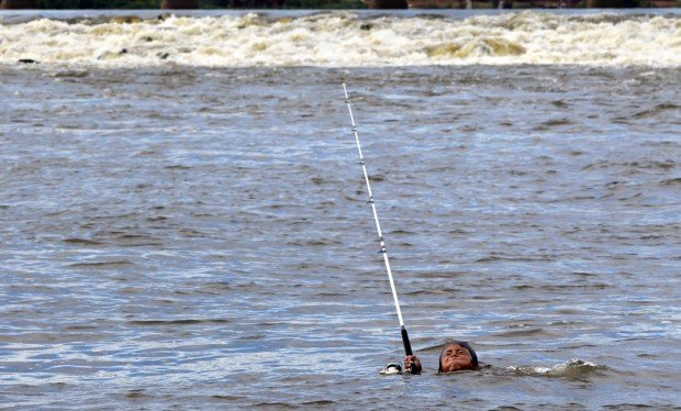 Low Water Brings Out Fishermen To Chouteau Island News