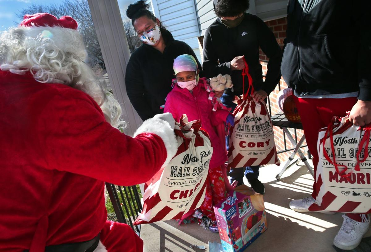 Riders with faith bring Christmas to child with cancer