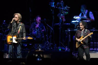 Daryl Hall and John Oates at Scottrade Center