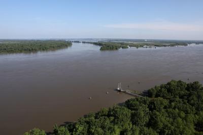 Messenger: Patch of dry ground adjacent to Mississippi River