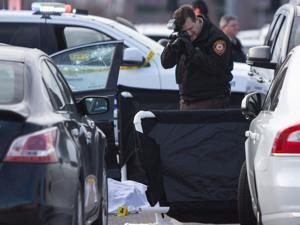 Tersangka ditembak di perkelahian dengan polisi di Chesterfield outlet mall