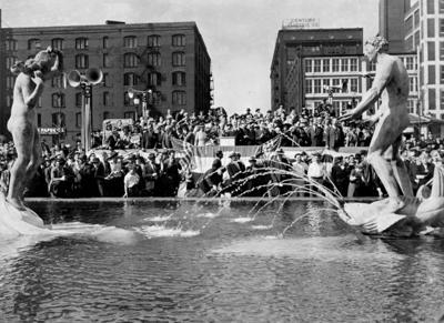 Look Back:  Aloe Plaza, 1939