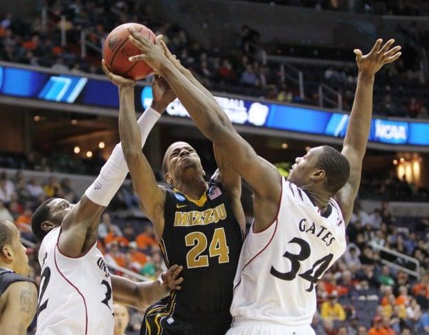 Missouri v Cincinnati in Second Round of NCAA Tournament