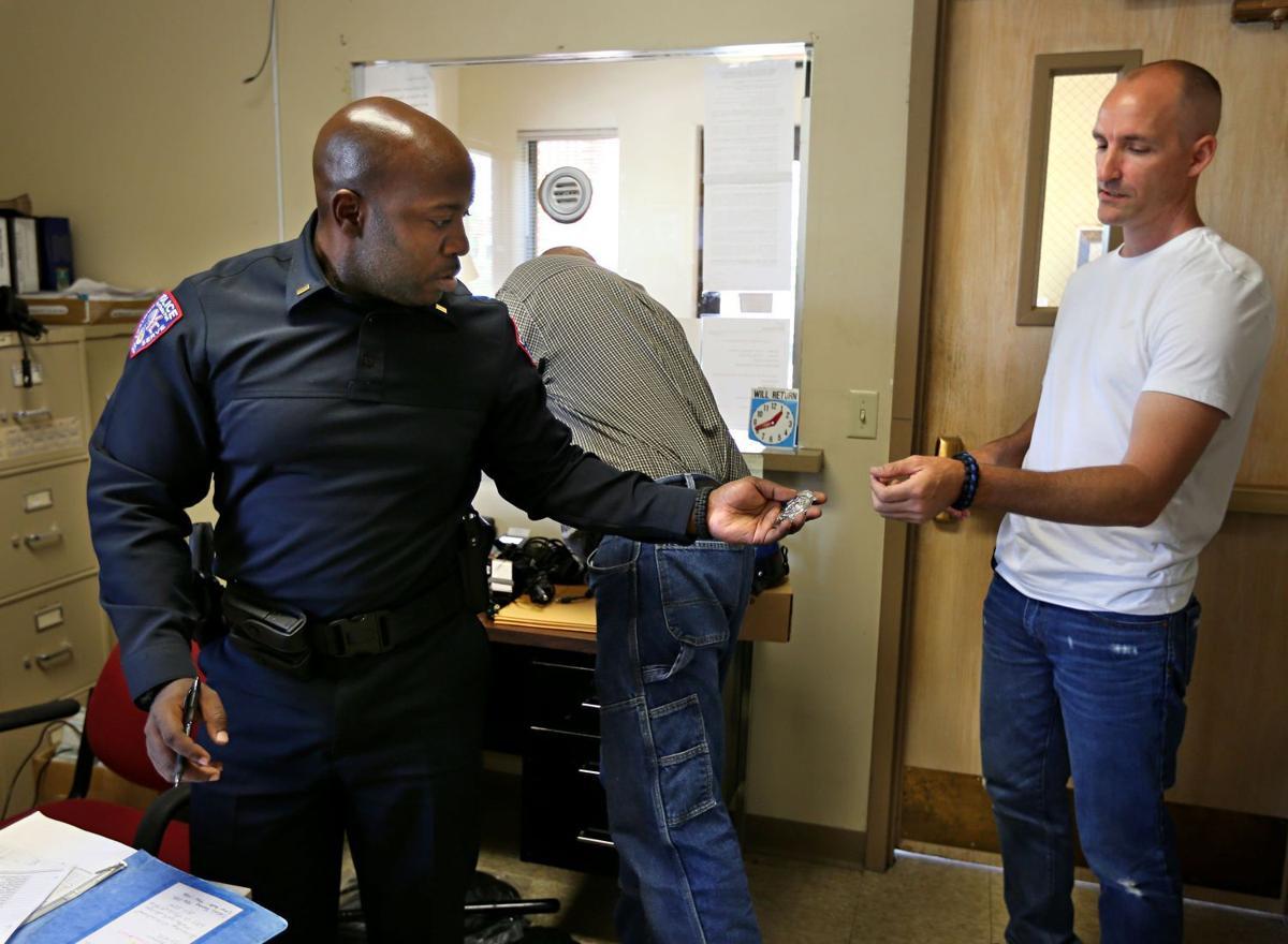 Wellston officer turns in badge