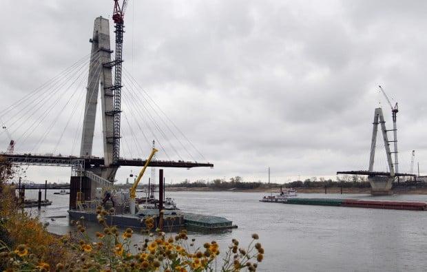 Work continues on new bridge