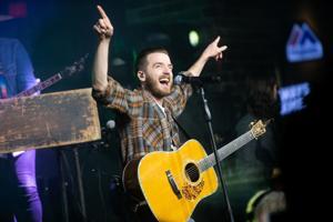 Country-band Lanco kicks off