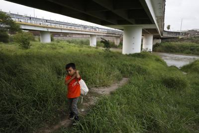 APTOPIX Mexico US Immigration