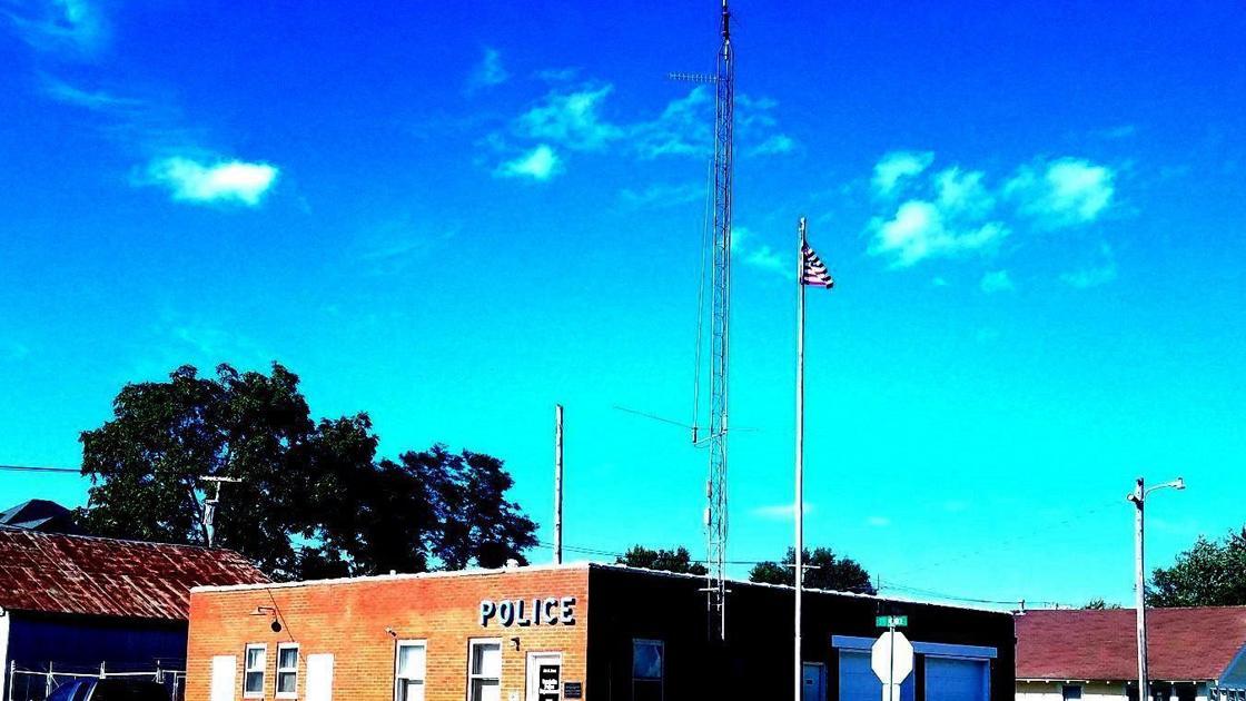 Cops are investigating cops in Vandalia, Mo.