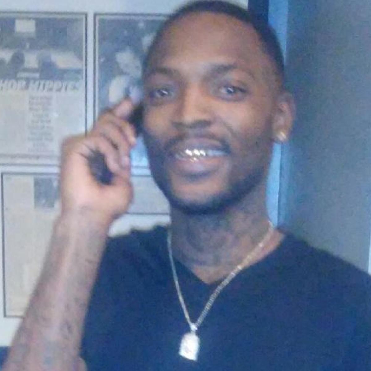 Rapper killed in shooting outside downtown St  Louis Hooters
