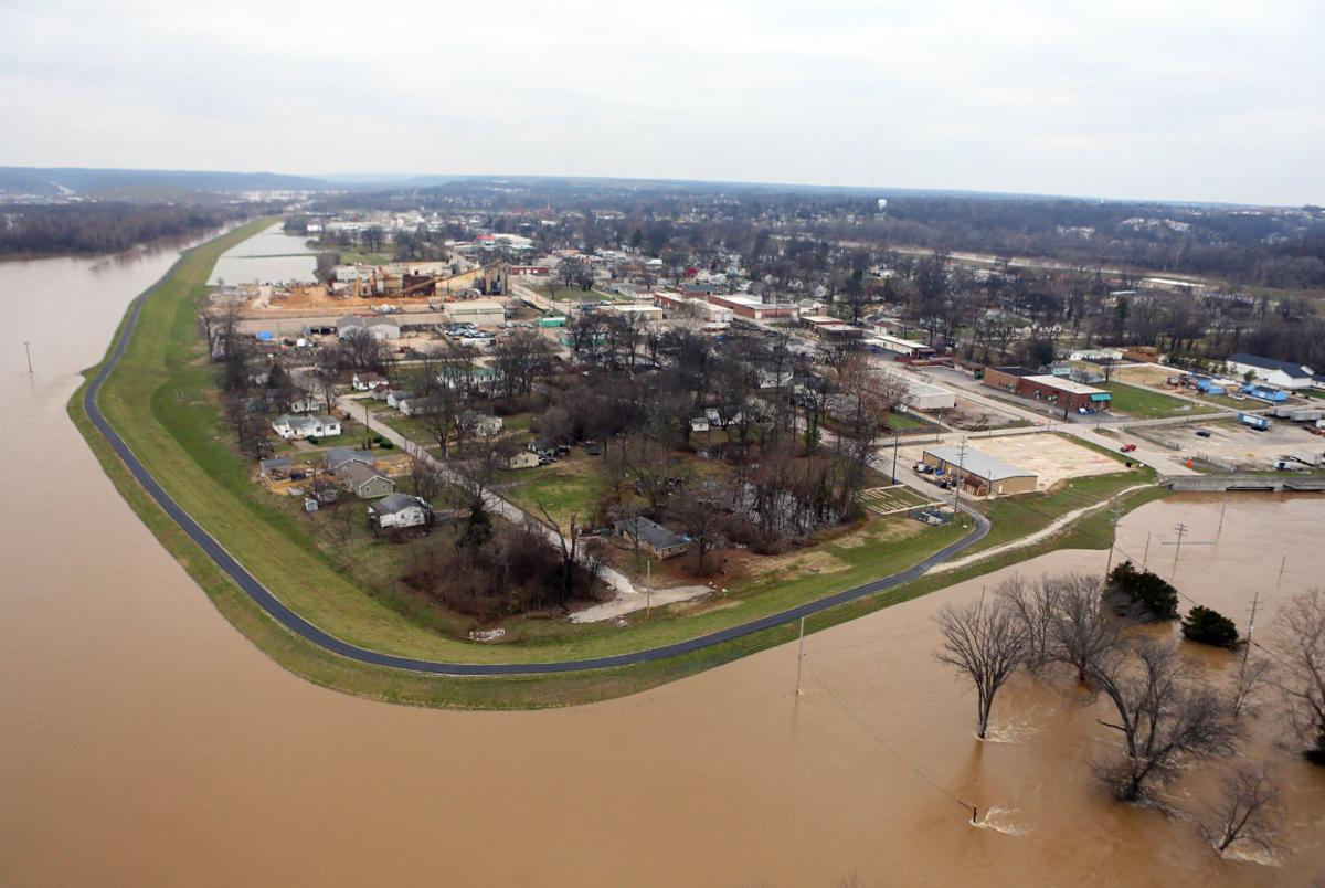 Historic flooding on the Meramec River threatens Valley Park