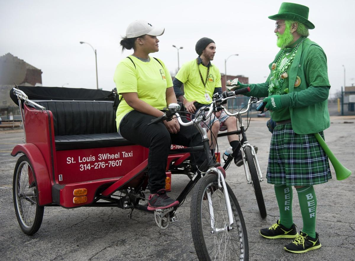 St Louis Taxi >> St Louis Metro Taxi Commission Approves Rules For Pedicabs