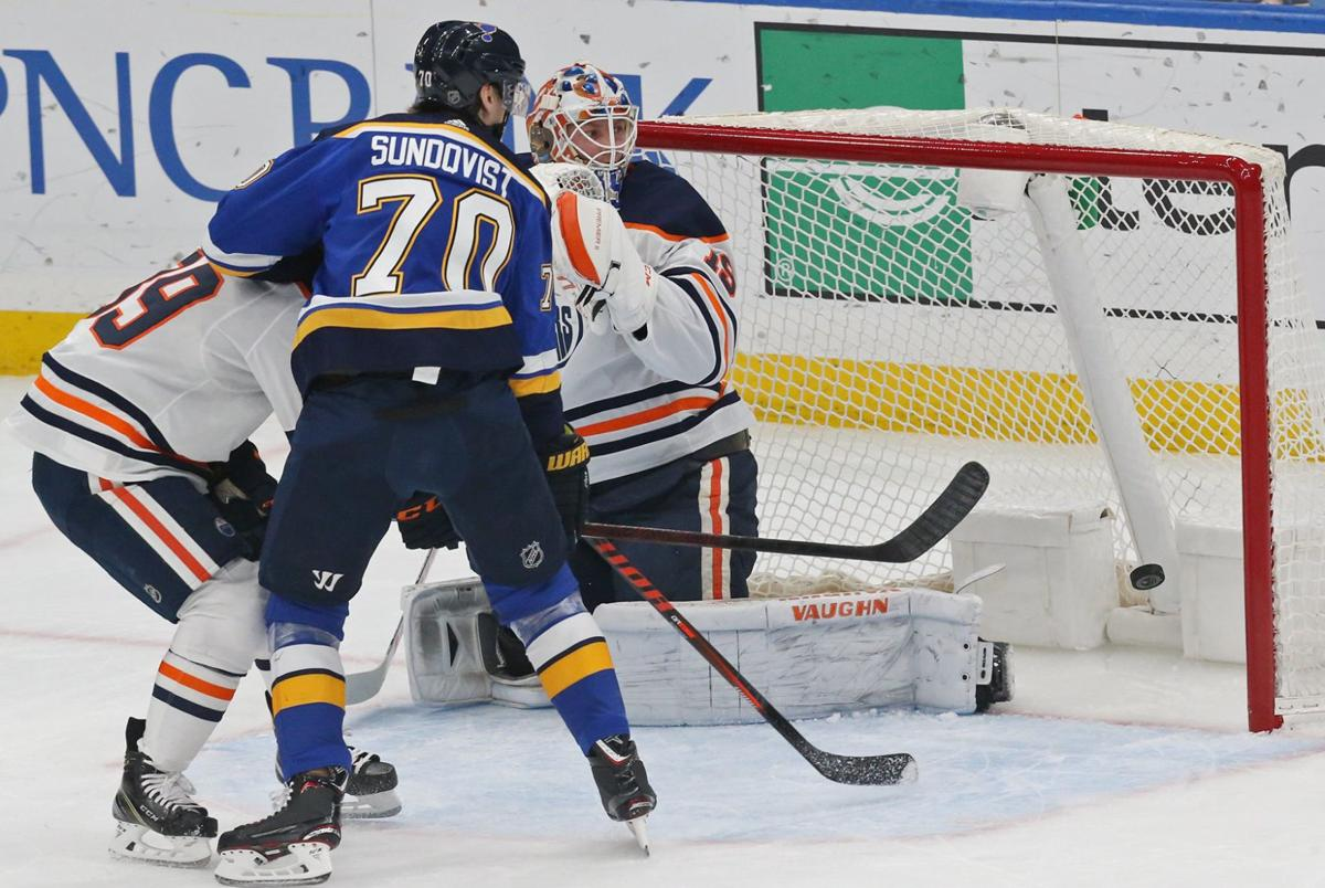 Photos: Blues click with 7-2 victory over the Oilers