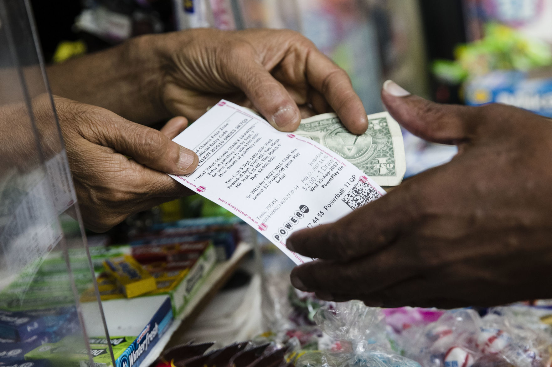 Winning Powerball tickets sold in Hampton, Williamsburg