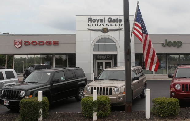 Royal Gate Dodge >> Chrysler Dealers Are Cautiously Eager To Sell Fiats