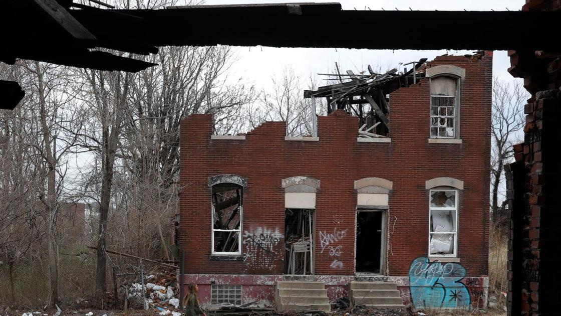 Ghost town: A decades-long struggle with vacant, abandoned buildings
