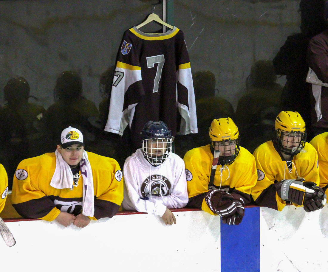 De Smet hockey bench tribute