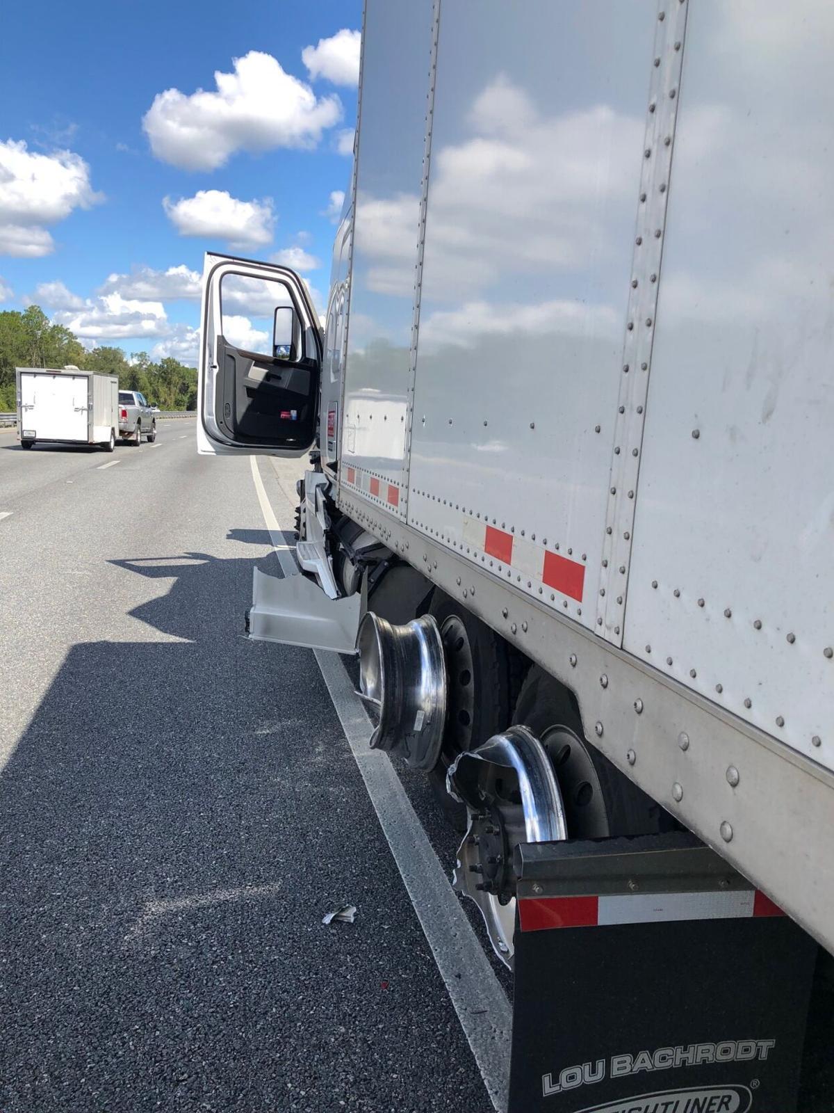 Largo man, passenger injured after tire blowout on I-75