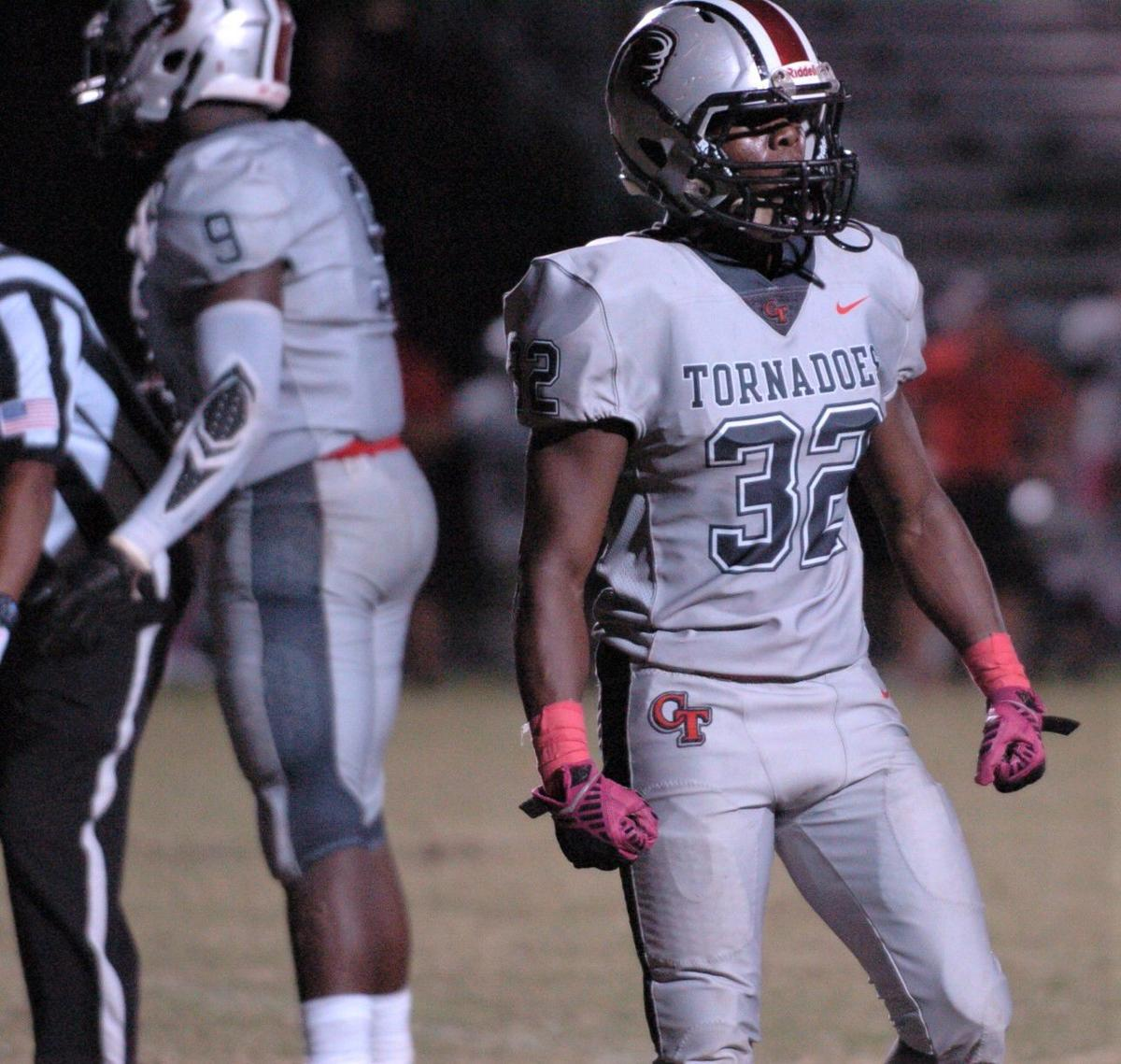 FOOTBALL: Clearwater escapes Bogie with W