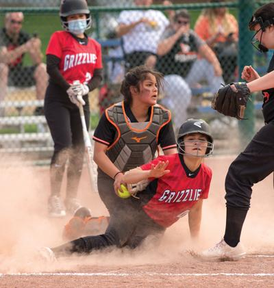 Lady Grizzlies rough up Pirates in sweep