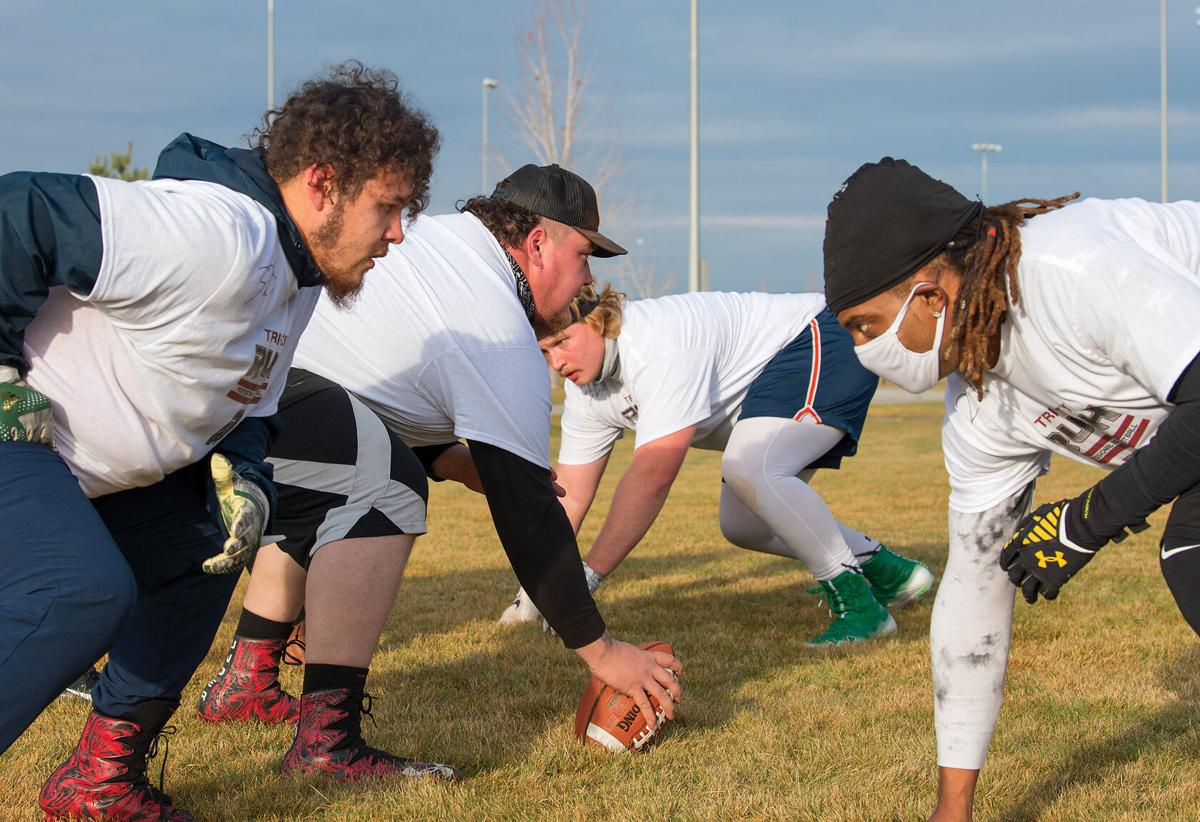 OFFENSIVE LINE SCRIMMAGE