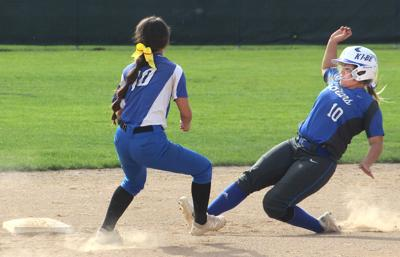 Kiona-Benton fastpitch qualifies for 1A state