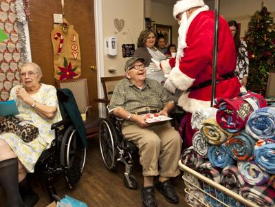Seniors celebrate with dance and gift party