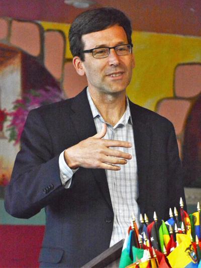 Ferguson discusses opioid epidemic with Rotarians