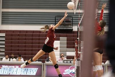 Grandview Volleyball wins first league match