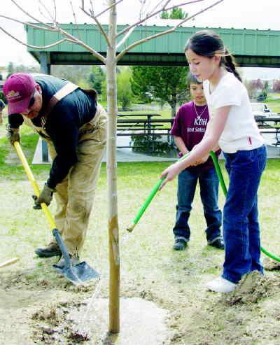 Grandview observes Arbor Day