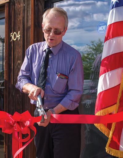 Linde opens Sunnyside campaign headquarters