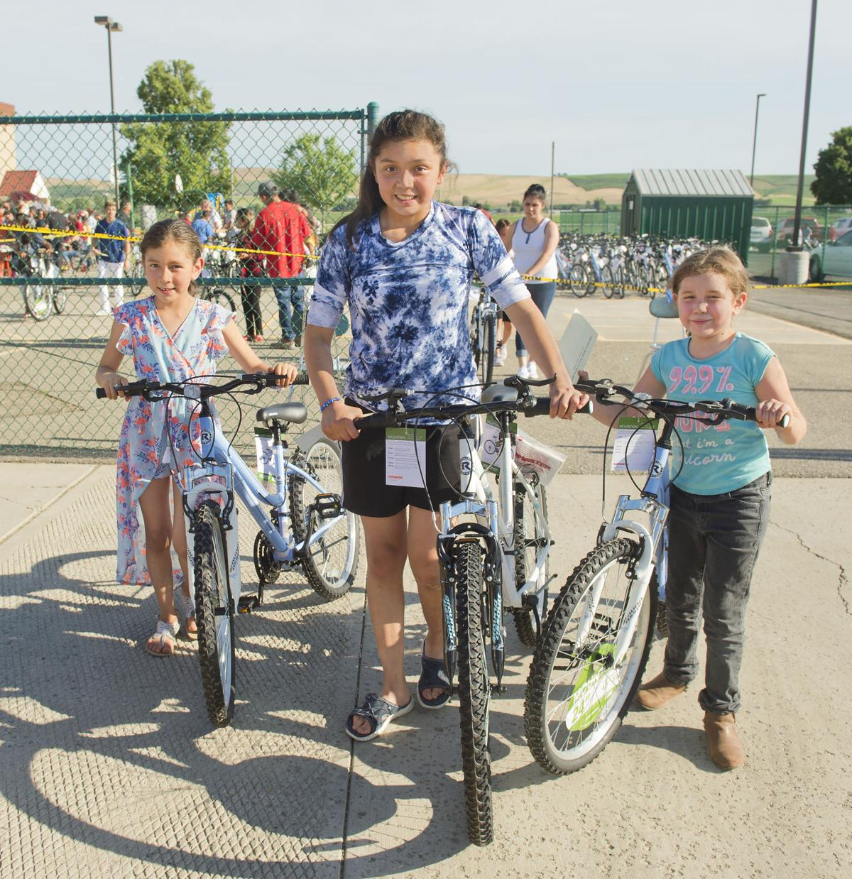 SISTERS ROLL OUT NEW BIKES