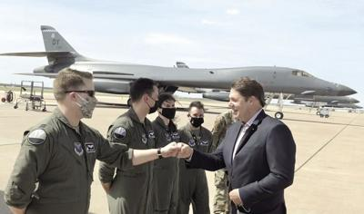 Arrington Visits Dyess Air Force Base