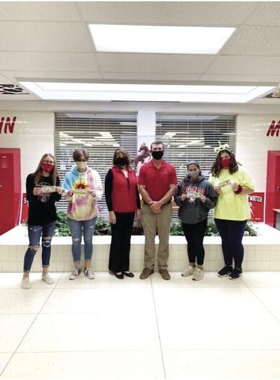 Texas National Bank Rewards Sweetwater Students