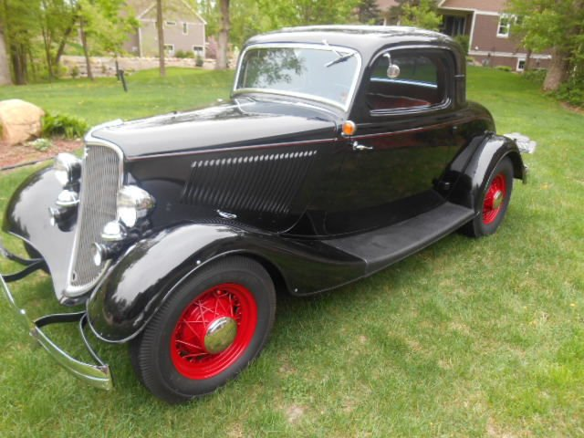 1933 3 Window Ford Coupe image 1