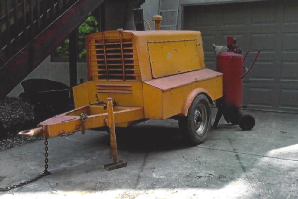 Air compressor with sandblasting pot