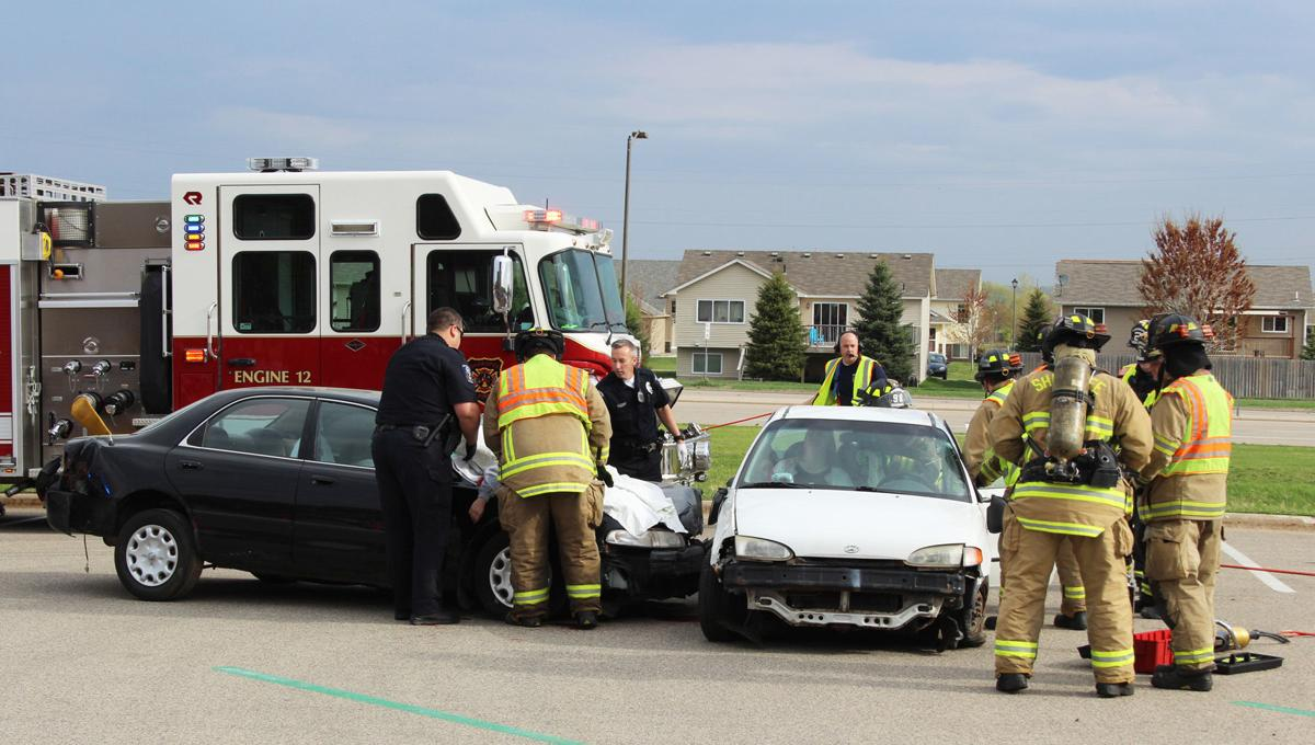 Mock car crash planned for tomorrow at Shakopee High School ...