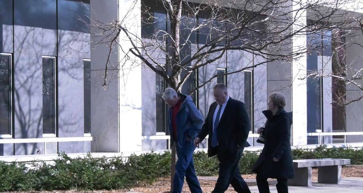 Rod Thompson entering courthouse