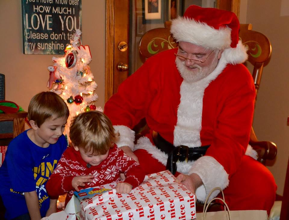 Kids across the country call Mrs. Claus, but reach Rep. Loonan ...