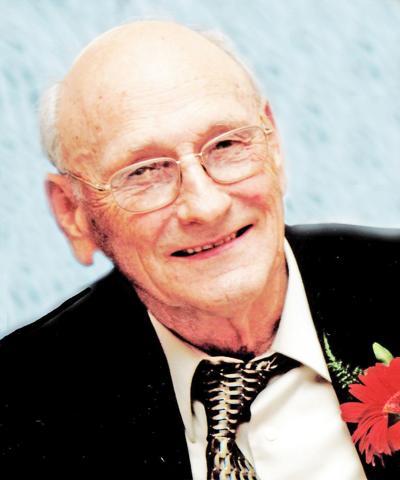 "Obituary for Harold ""Roger"" Bindewald"