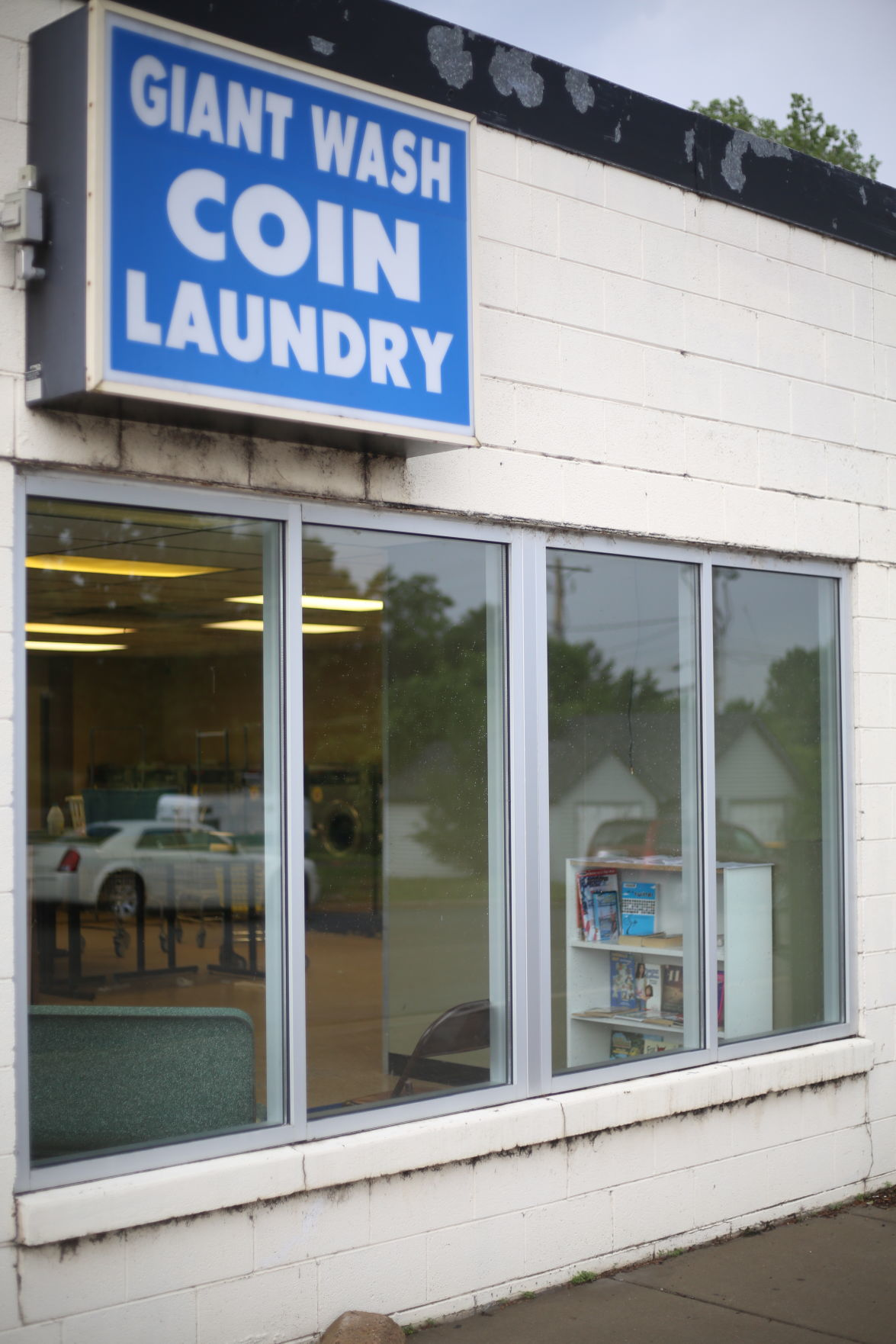 Giant Wash Coin Laundry