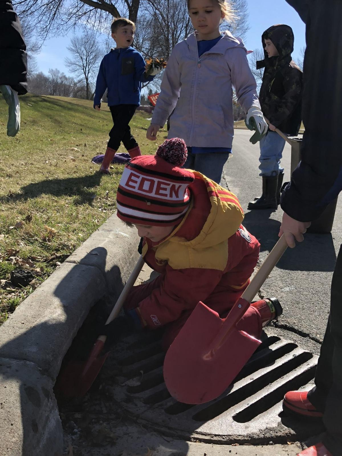 Eden Prairie Students Clean Up For Earth Day Eden Prairie