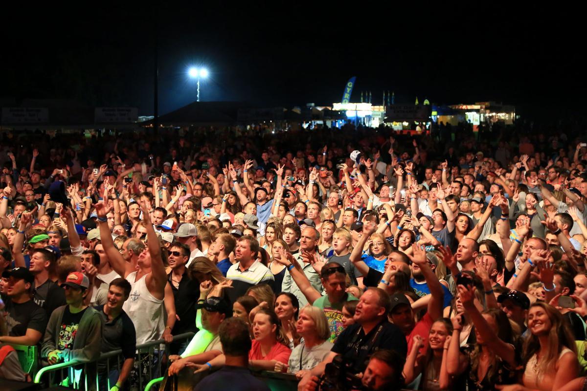 Crowd Lakefront Music Fest - Prior Lake, MN