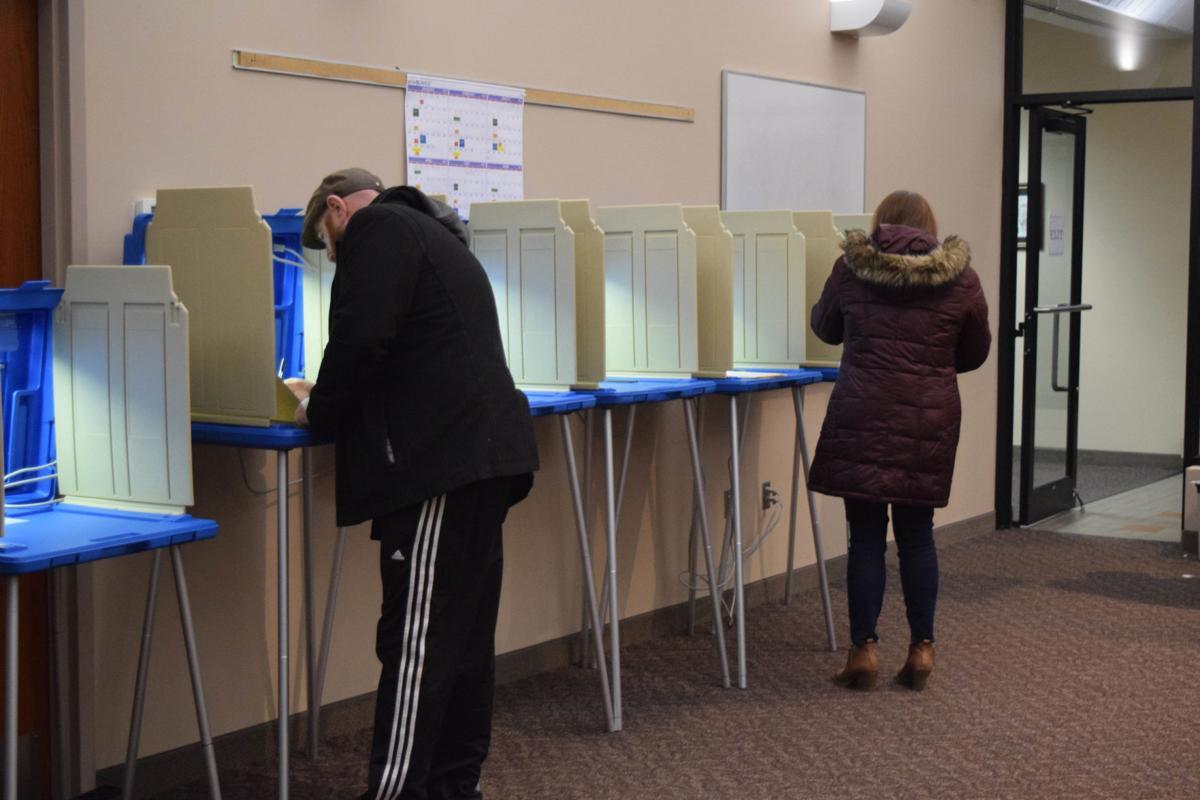 ORONO VOTES IN SCHOOL BOARD ELECTION