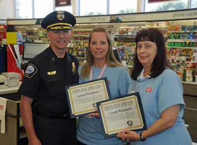 Walgreens Employee Login >> Two Walgreens Employees Commended For Stopping Scam Savage News
