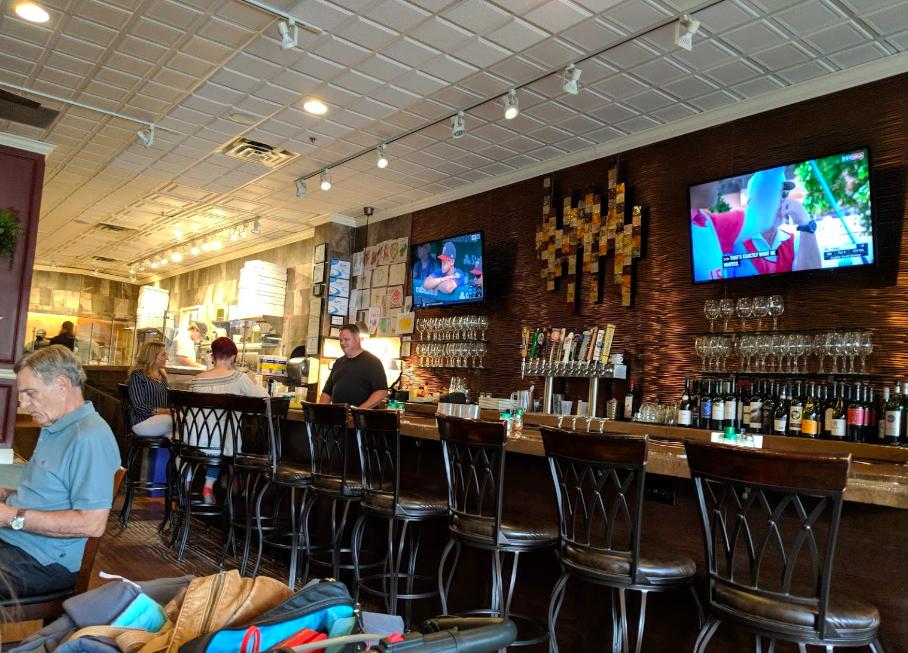 Olive's Fresh Pizza Bar - interior