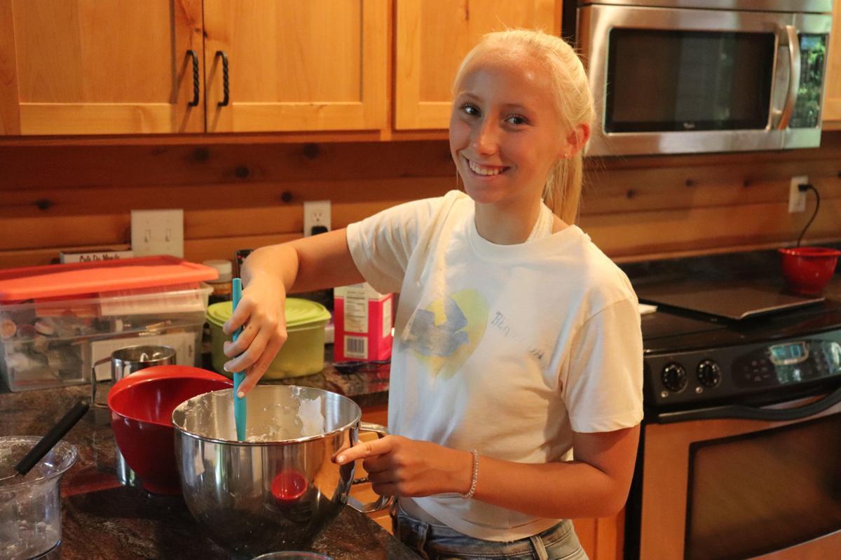Ashley Larson mixes