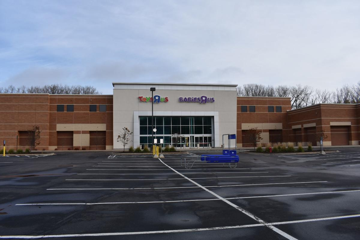 Former Minnetonka Toys R Us will be a Hobby Lobby | Lake