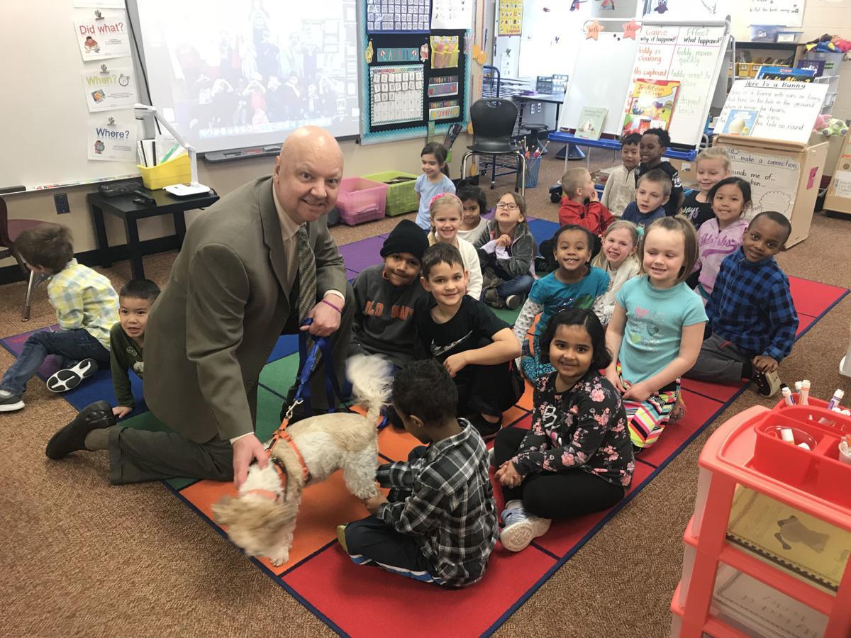 Gary visits kindergarten class