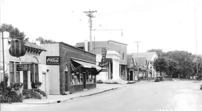 Barry Avenue and Lake Street in the 1930s